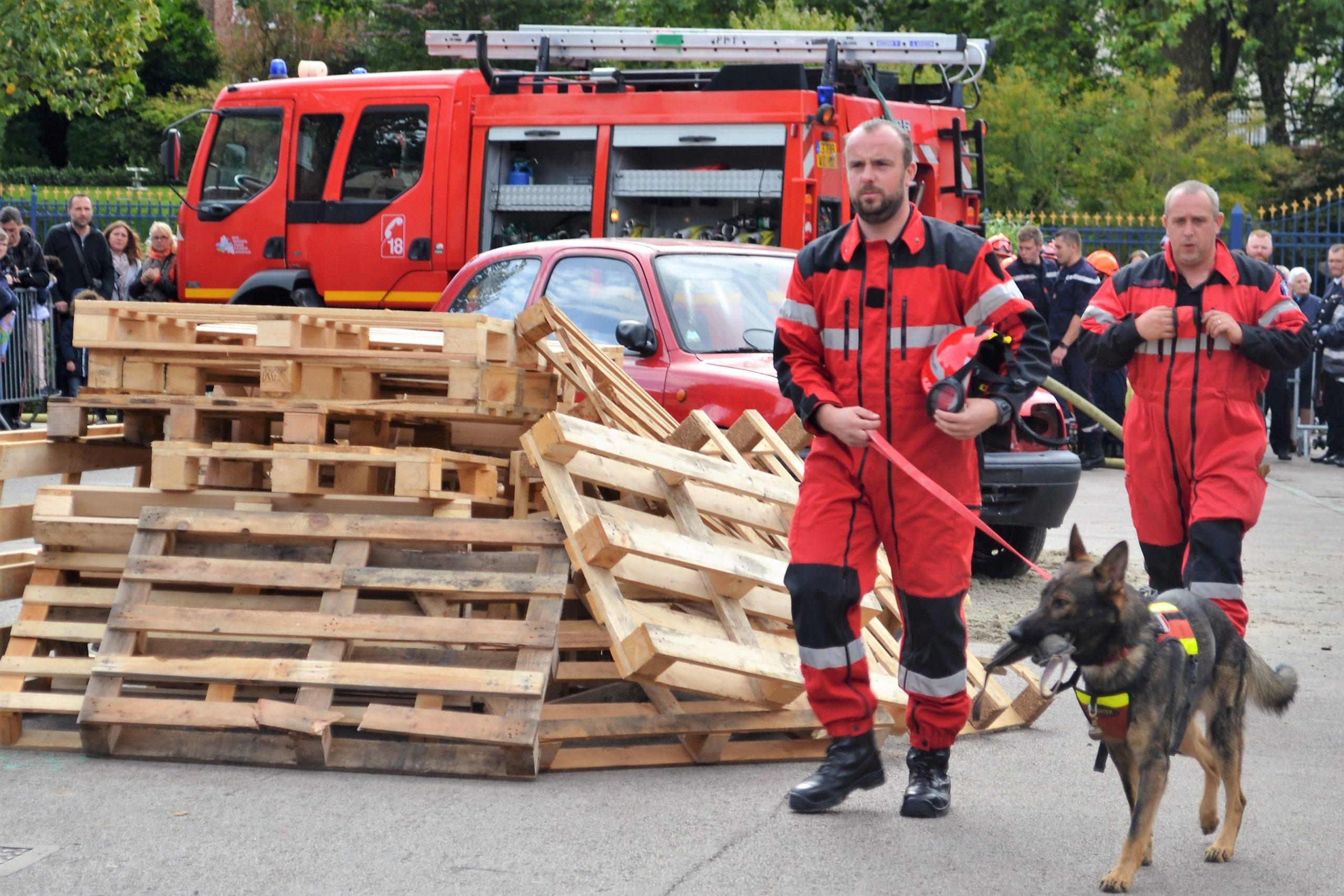Saint-Pol : démonstrations et opération séduction des pompiers
