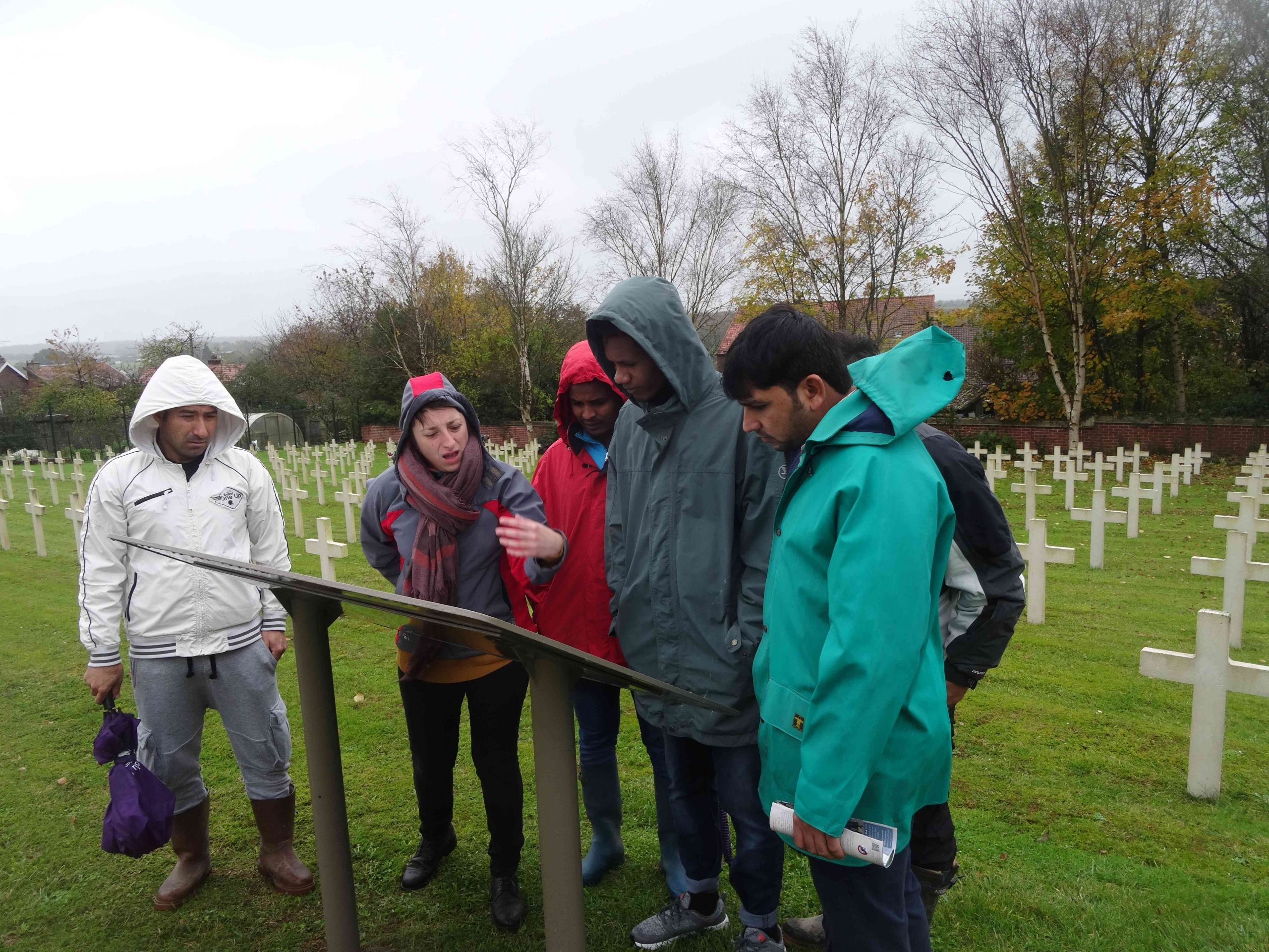 Des migrants découvrent l'histoire de la Première Guerre lors du 11 novembre