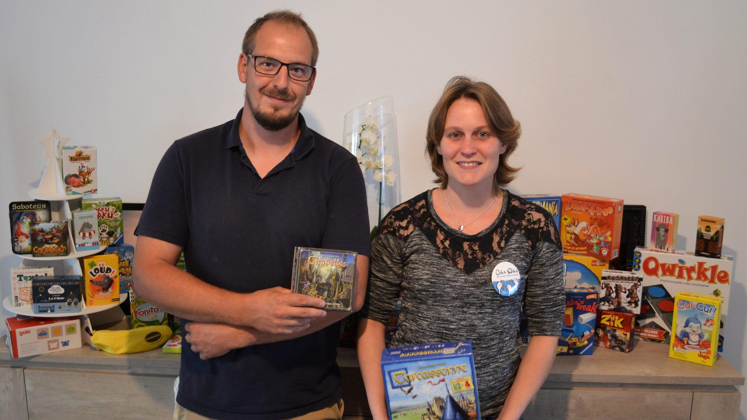 Elodie vous invite à découvrir des centaines de jeux de société pour petits et grands