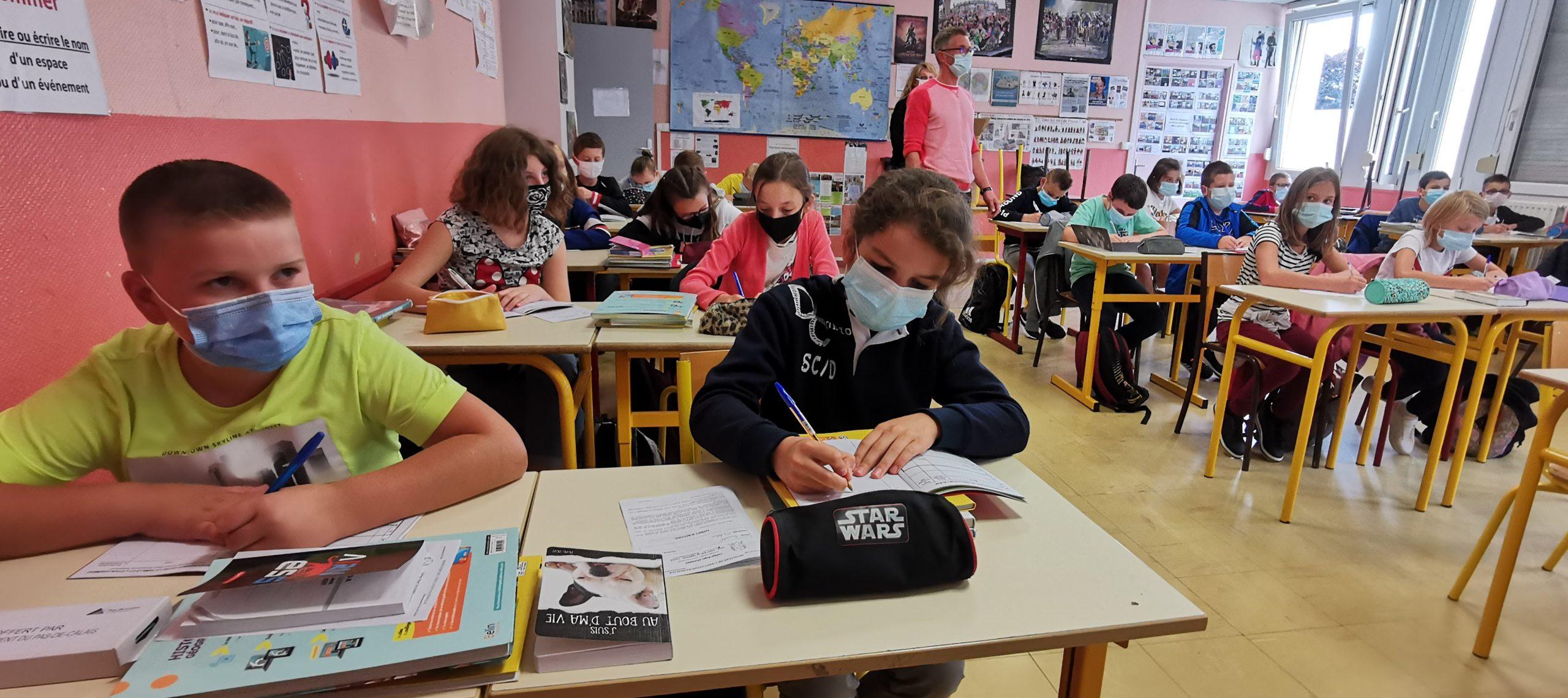 Saint-Pol : les collégiens masqués du matin au soir, comme les grands