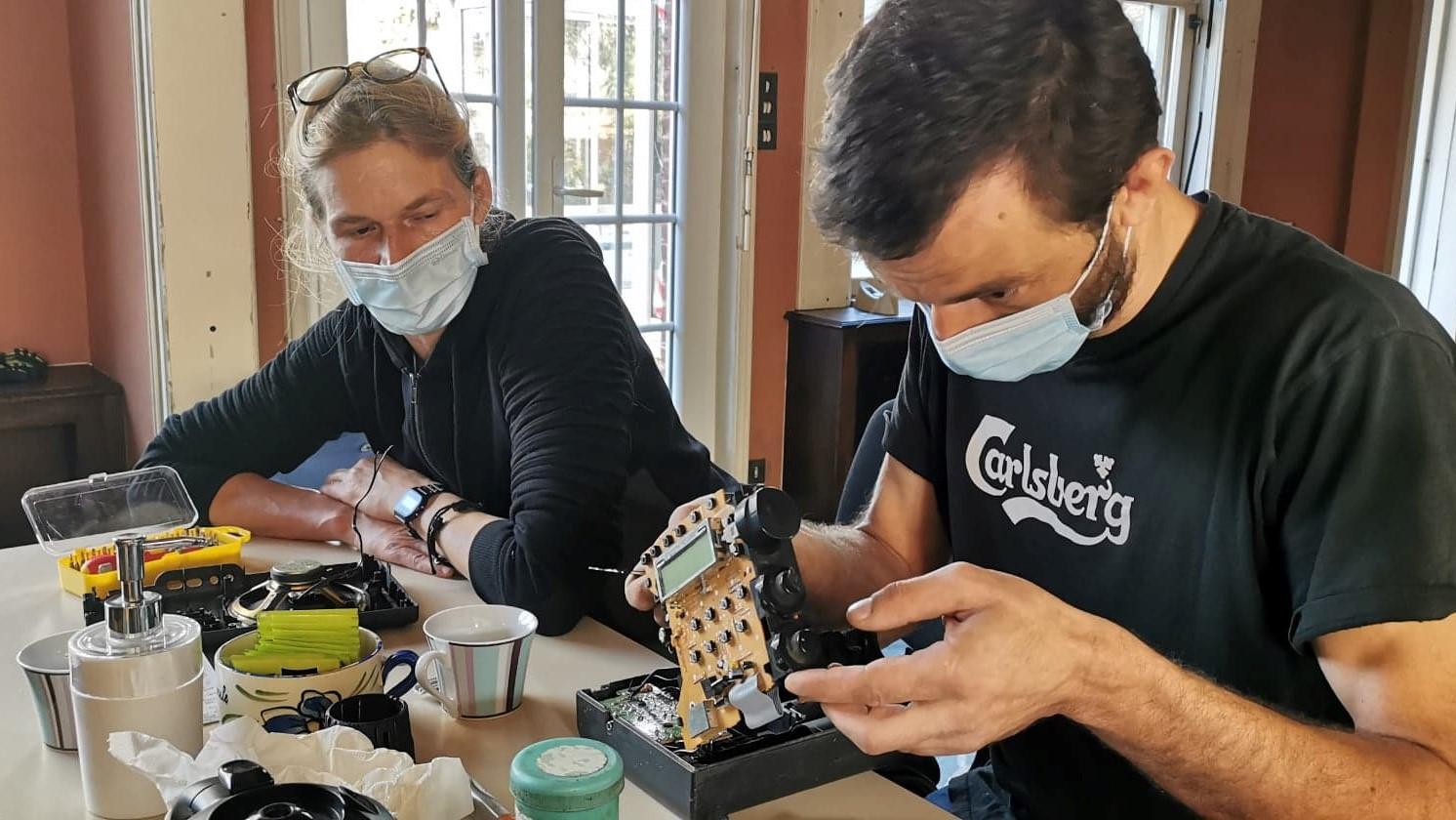 Les Repair'Cafés de ATRE : une clinique pour  soigner et guérir les objets soi-même