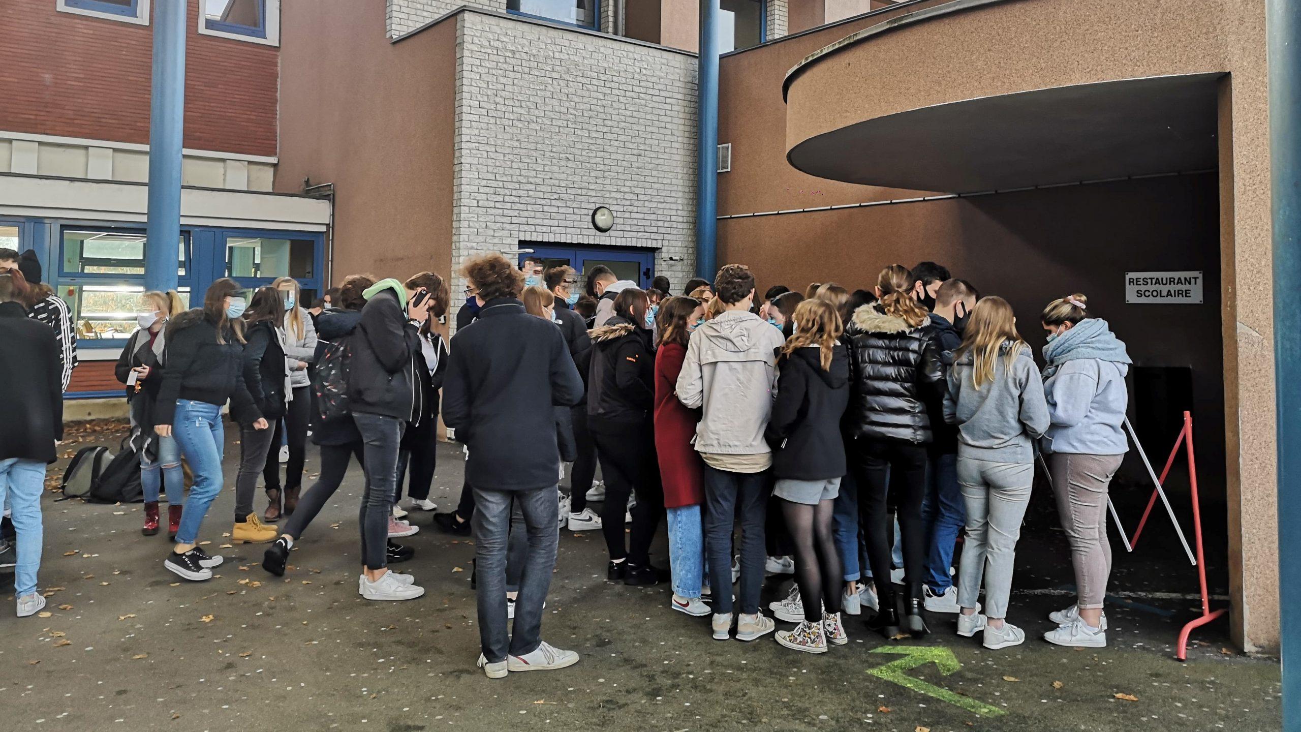Au lycée Châtelet, on bricole pour adapter le protocole sanitaire à la réalité du terrain